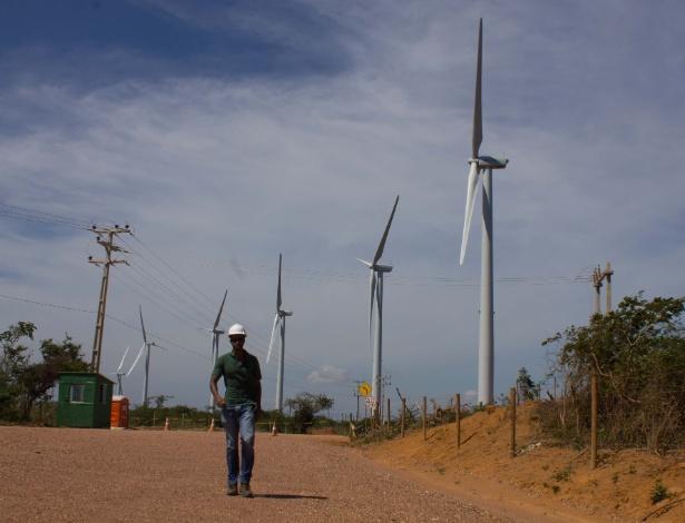 Torres eólicas paradas em Caetité, na Bahia, em 29 de janeiro de 2013