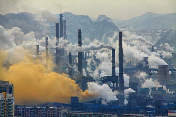 Siderúrgicas em Benxi, China: velha economia está ficando para trás (Foto: Andreas Habich)