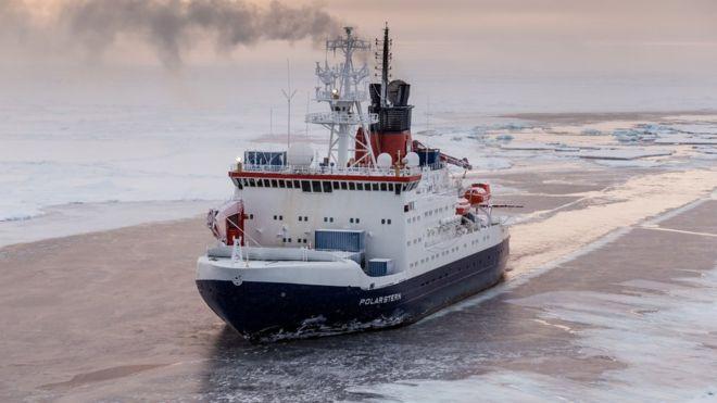 Navio Polarstern vai embarcar na maior expedição de pequisa ao Polo Norte