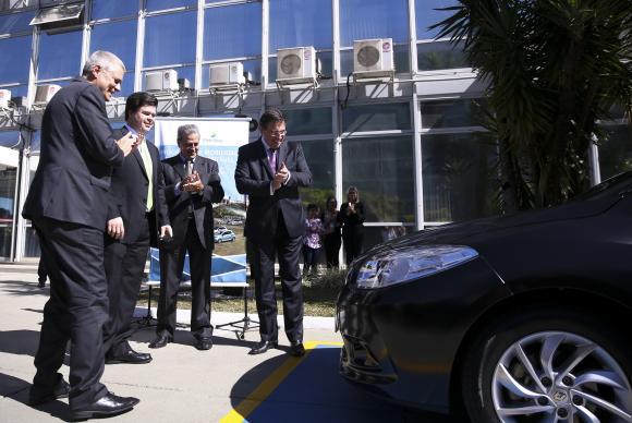 O Ministério de Minas e Energia recebe da Itaipu Binacional o primeiro veículo elétrico que será usado pelo Poder ExecutivoMarcelo Camargo/Agência Brasil