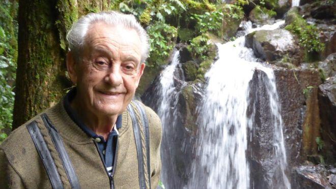 Prestes a completar 84 anos, Antonio Vicente orgulha-se de ter plantado a própria floresta
