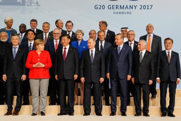 Chefes de Estado e de Governo que integram o G20 em foto oficial do encontro em Hamburgo, na Alemanha Beto Barata/PR